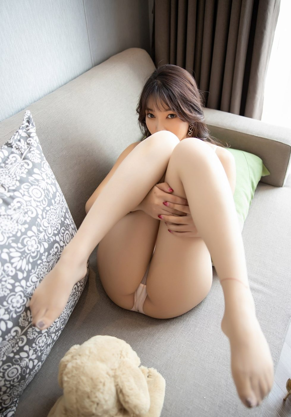 xxx photos: booty sexy asian girl gets naughty with her toy