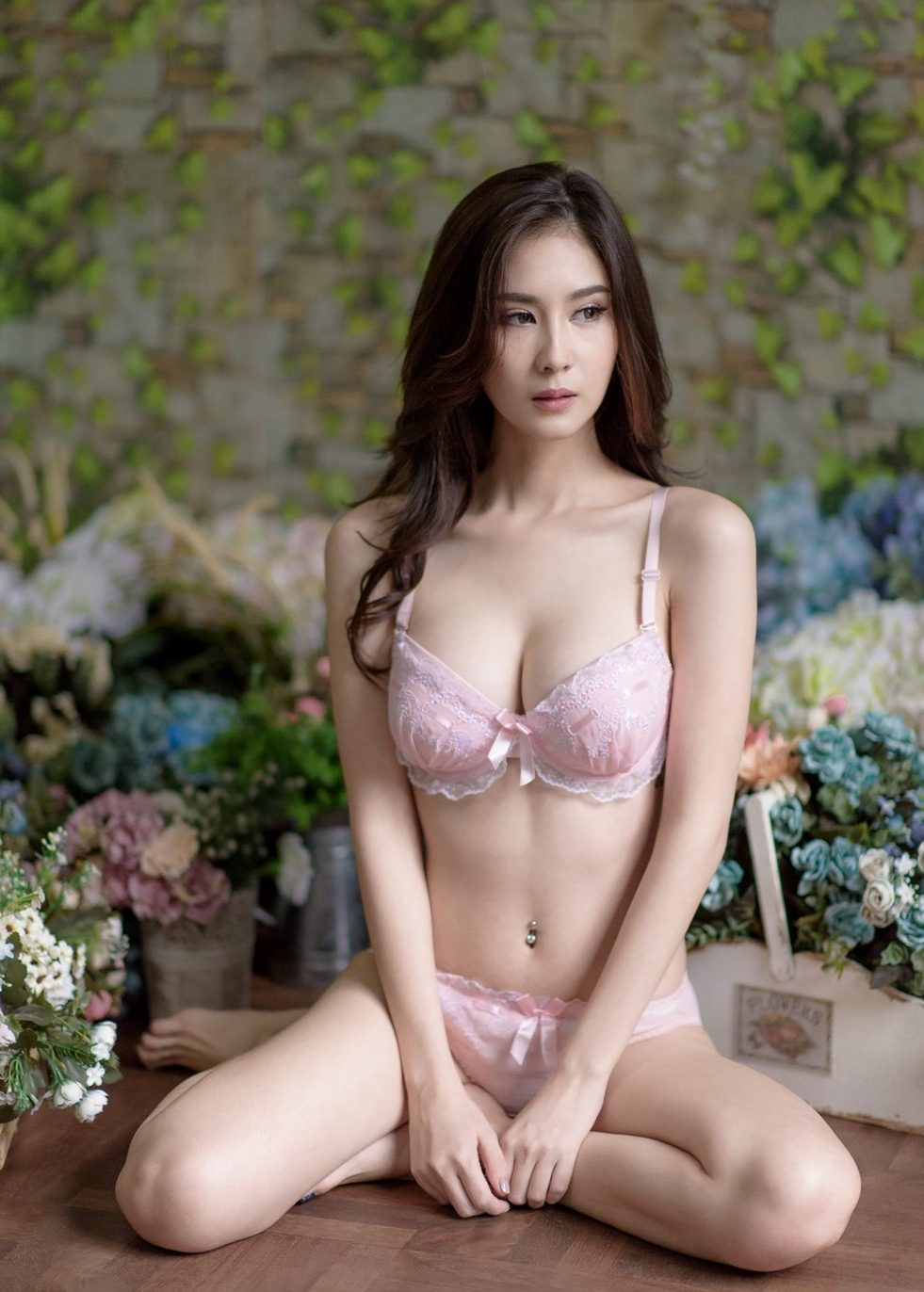 Thanyarat Rodpol hot thai girl very sexy and wild sexy lingerie